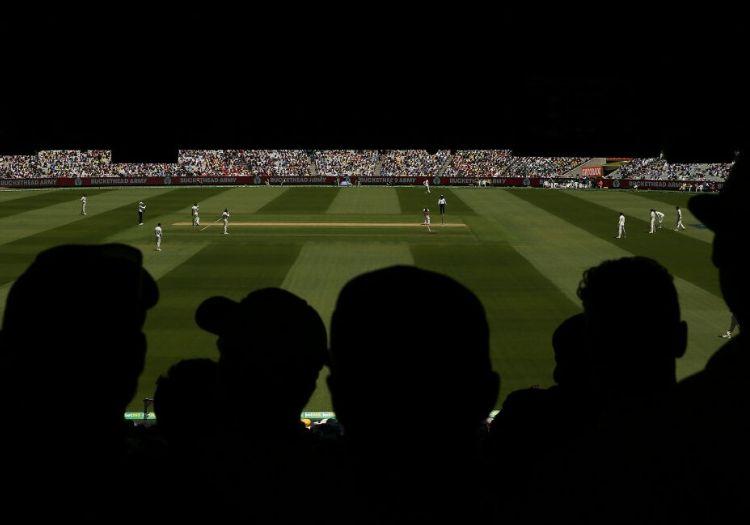 crickettalk270101-min